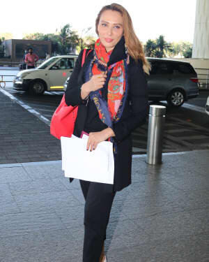 Lulia Vantur - Photos: Celebs Spotted At Airport