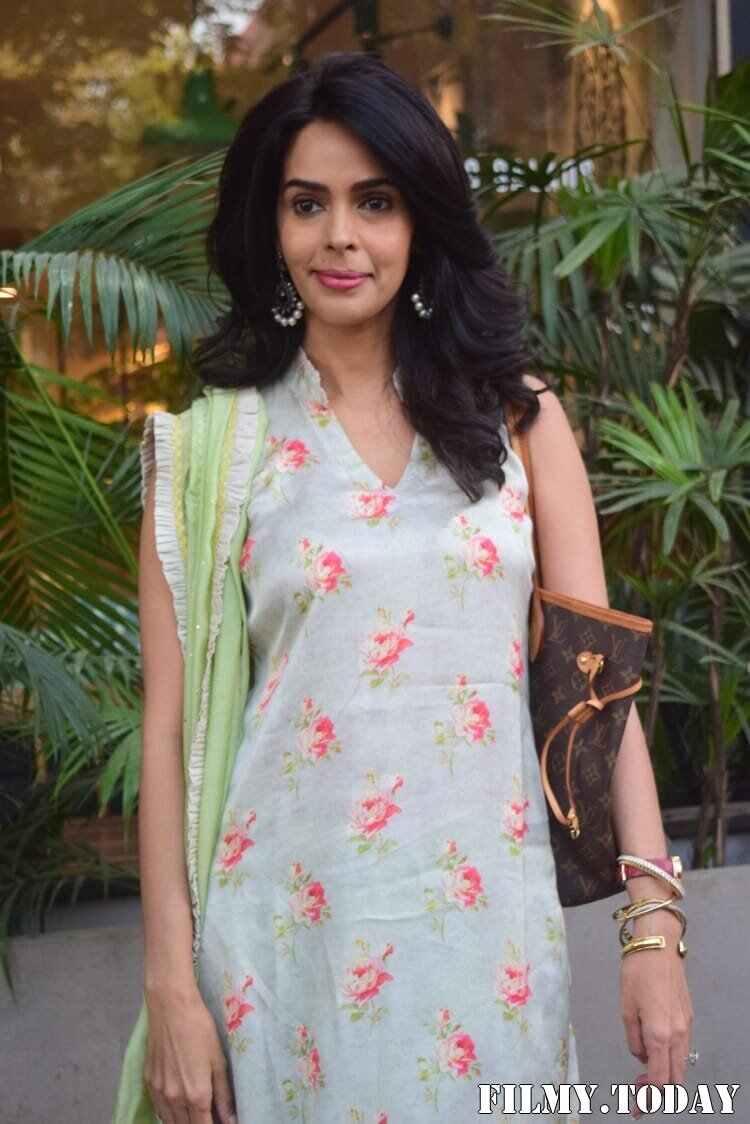 Mallika Sherawat - Photos: Celebs Spotted At Kitchen Garden In Juhu | Picture 1770514