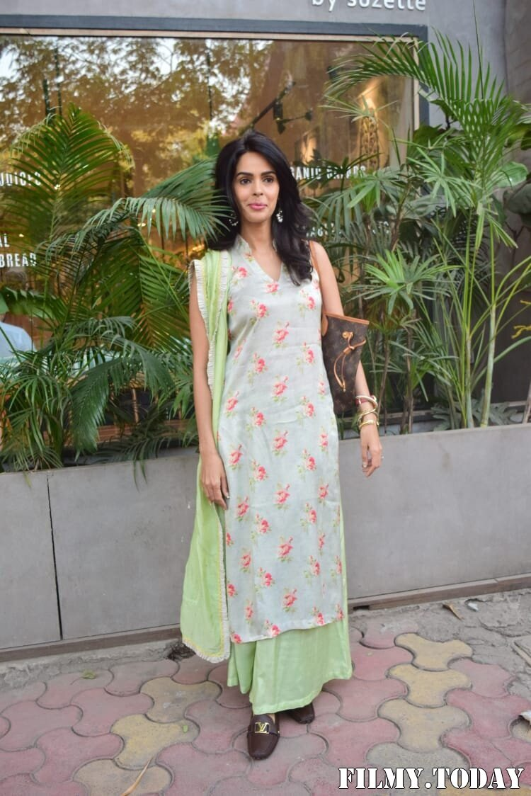 Mallika Sherawat - Photos: Celebs Spotted At Kitchen Garden In Juhu | Picture 1770518