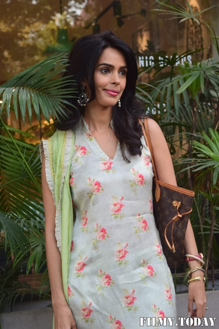 Mallika Sherawat - Photos: Celebs Spotted At Kitchen Garden In Juhu | Picture 1770517