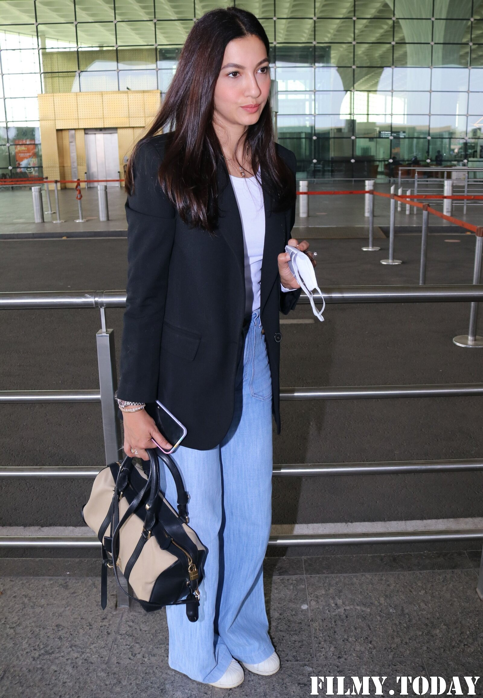 Gauhar Khan - Photos: Celebs Spotted At Airport   Picture 1770641