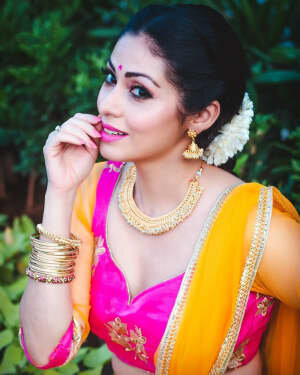 Sadha Latest Photos   Picture 1809571