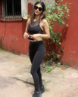 Mouni Roy - Photos: Celebs Spotted At Andheri   Picture 1811392