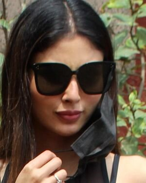 Mouni Roy - Photos: Celebs Spotted At Andheri   Picture 1811390