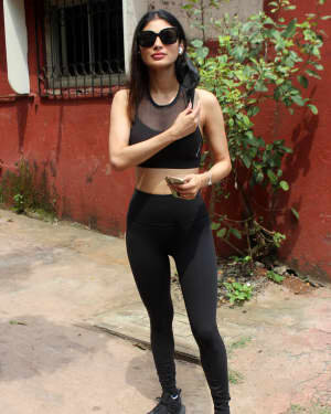 Mouni Roy - Photos: Celebs Spotted At Andheri   Picture 1811388