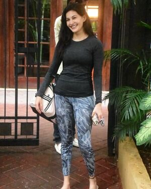 Amyra Dastur - Photos: Celebs Spotted At Bandra | Picture 1813192