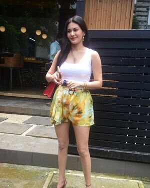 Amyra Dastur - Photos: Celebs Spotted At Bandra | Picture 1818098