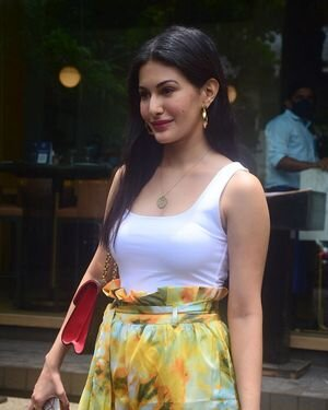 Amyra Dastur - Photos: Celebs Spotted At Bandra | Picture 1818105