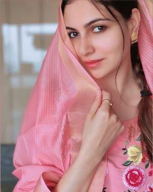 Simran Kaur Mundi Latest Photos   Picture 1818579