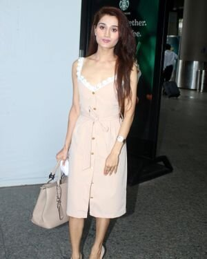 Arushi Nishank - Photos: Celebs Spotted At Airport