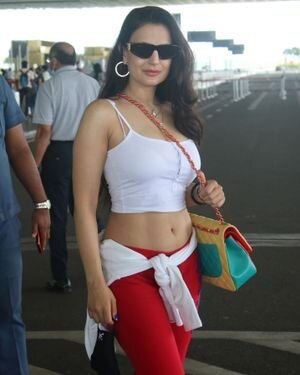Ameesha Patel - Photos: Celebs Spotted At Airport | Picture 1819183
