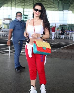 Ameesha Patel - Photos: Celebs Spotted At Airport | Picture 1819190