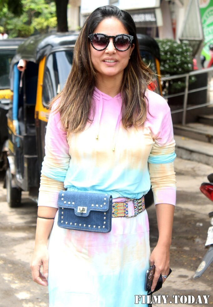 Hina Khan - Photos: Celebs Spotted At Andheri   Picture 1819175