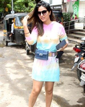 Hina Khan - Photos: Celebs Spotted At Andheri