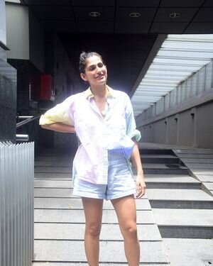 Kubbra Sait - Photos: Celebs Spotted At Bandra | Picture 1819196