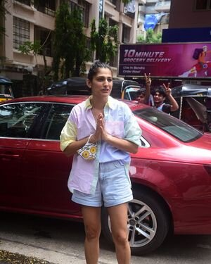 Kubbra Sait - Photos: Celebs Spotted At Bandra | Picture 1819194