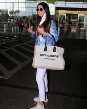 Malvika Raaj - Photos: Celebs Spotted At Airport | Picture 1819544