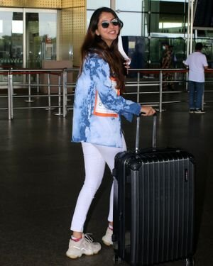 Malvika Raaj - Photos: Celebs Spotted At Airport | Picture 1819541