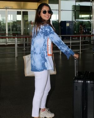 Malvika Raaj - Photos: Celebs Spotted At Airport