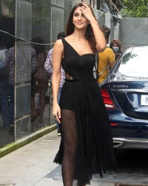 Vaani Kapoor - Photos: Celebs Spotted At Juhu | Picture 1819538