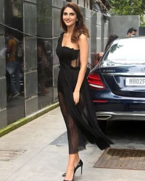 Vaani Kapoor - Photos: Celebs Spotted At Juhu | Picture 1819534