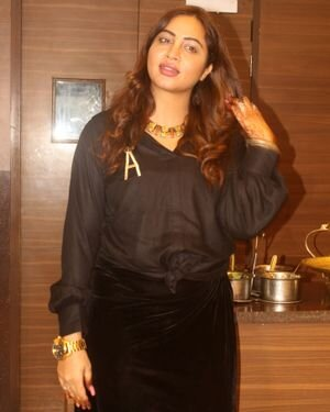 Arshi Khan - Photos: Celebs Spotted At Juhu | Picture 1819554