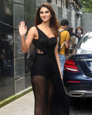 Vaani Kapoor - Photos: Celebs Spotted At Juhu | Picture 1819539