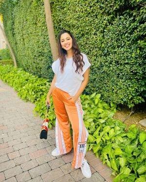 Eshanya Maheshwari Latest Photoshoot | Picture 1819902
