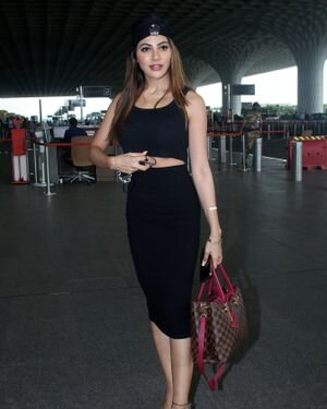 Nikki Tamboli - Photos: Celebs Spotted At Airport | Picture 1819830