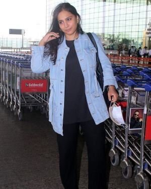 Zoya Hussain - Photos: Celebs Spotted At Airport | Picture 1820114