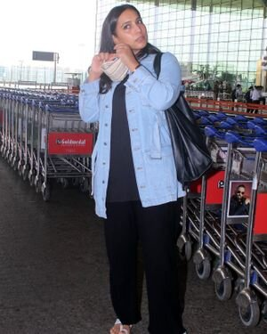 Zoya Hussain - Photos: Celebs Spotted At Airport | Picture 1820115
