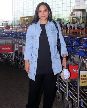 Zoya Hussain - Photos: Celebs Spotted At Airport | Picture 1820113