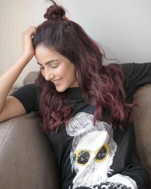 Jasmin Bhasin Latest Photos | Picture 1799370