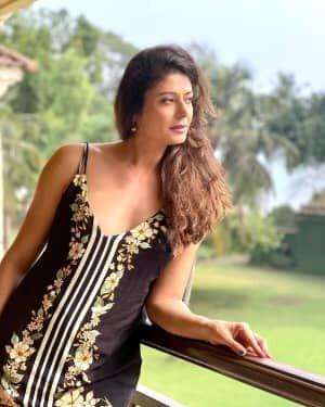 Pooja Batra Latest Photos   Picture 1801988