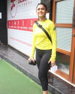 Mrunal Thakur - Photos: Celebs Spotted At Gym | Picture 1805135
