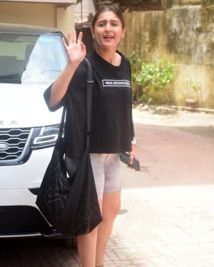 Dhvani Bhanushali - Photos: Celebs Spotted At Gym | Picture 1805781