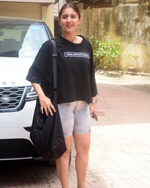 Dhvani Bhanushali - Photos: Celebs Spotted At Gym | Picture 1805780
