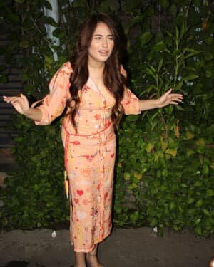 Photos: Mahira Sharma Spotted During Shooting Of A Magazine Cover   Picture 1805789