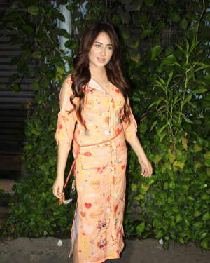 Photos: Mahira Sharma Spotted During Shooting Of A Magazine Cover   Picture 1805786