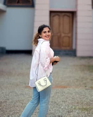 Noorin Shereef Latest Photos   Picture 1807462