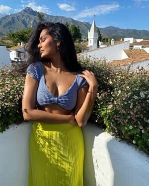 Esha Gupta Latest Photoshoot | Picture 1808681