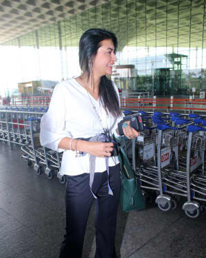 Pavitra Punia - Photos: Celebs Spotted At Airport | Picture 1778140