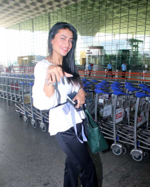 Pavitra Punia - Photos: Celebs Spotted At Airport | Picture 1778141