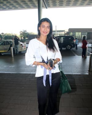 Pavitra Punia - Photos: Celebs Spotted At Airport