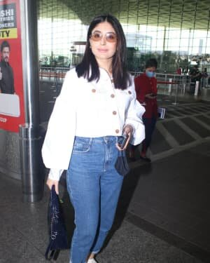 Kritika Kamra - Photos: Celebs Spotted At Airport