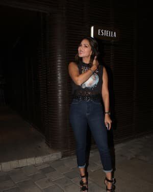 Sunny Leone - Photos: Celebs Spotted At Juhu | Picture 1778196