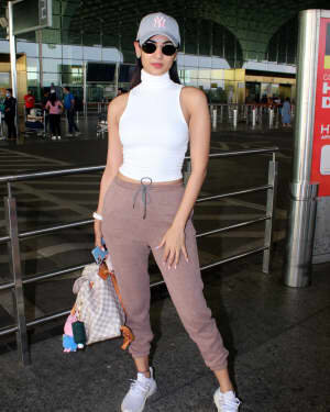 Sonal Chauhan - Photos: Celebs Spotted At Airport | Picture 1778336
