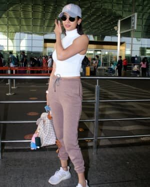 Sonal Chauhan - Photos: Celebs Spotted At Airport | Picture 1778333