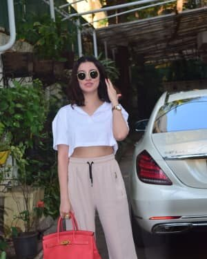 Divya Khosla - Photos: Celebs Spotted At Juhu