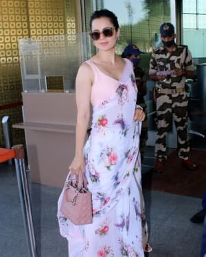 Kangana Ranaut - Photos: Celebs Spotted At Airport | Picture 1778624